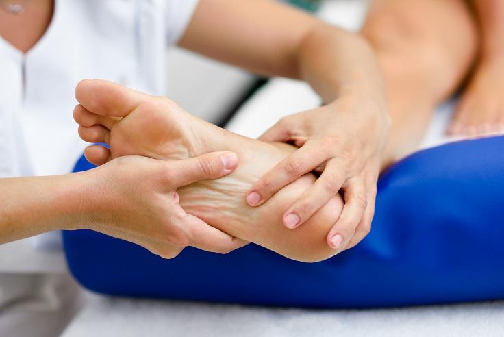 Cuidados com os pés em pessoas com diabetes